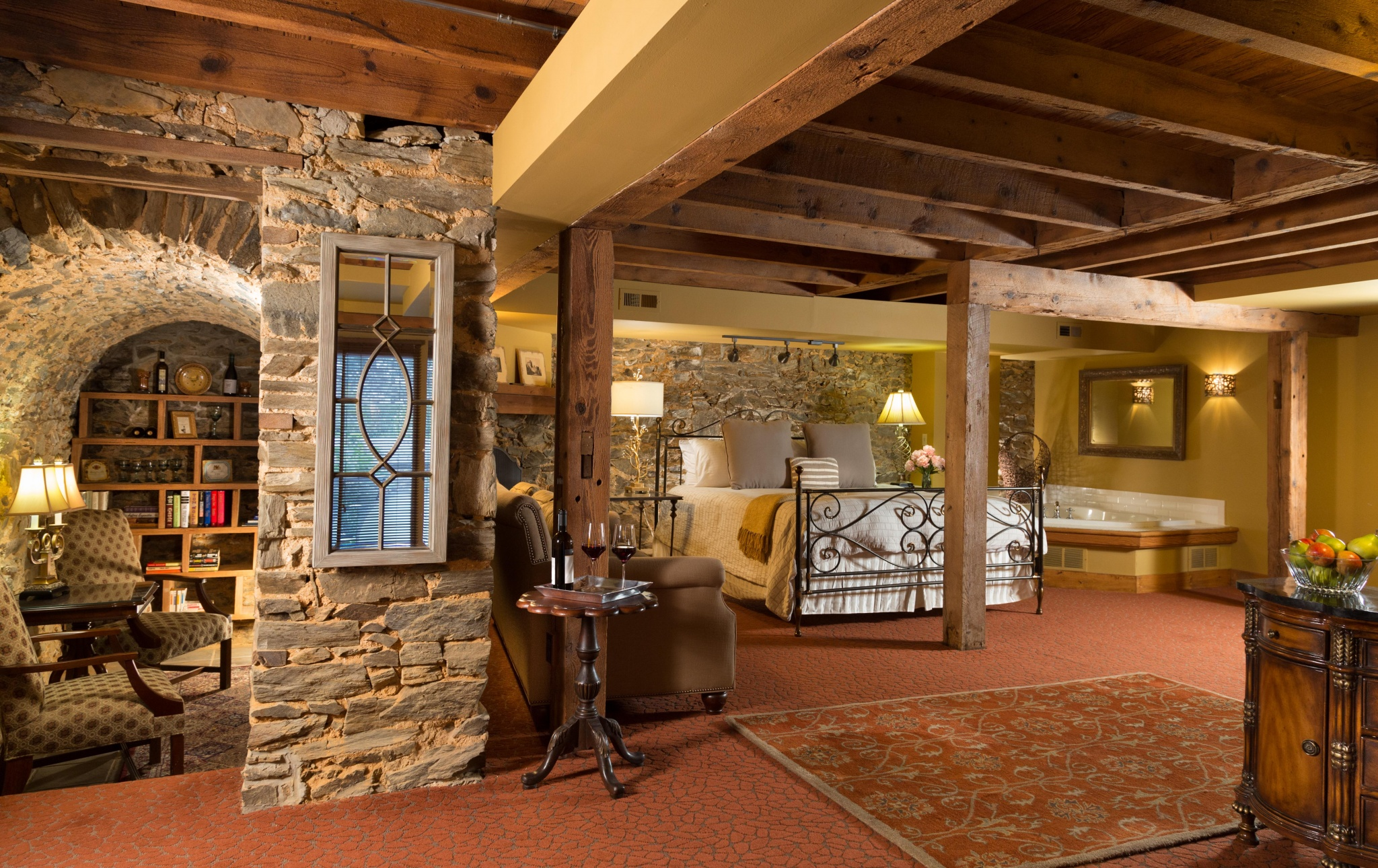 The Inn At Leola Village, A Historic Hotel of America | Leola | Whirlpool Suite